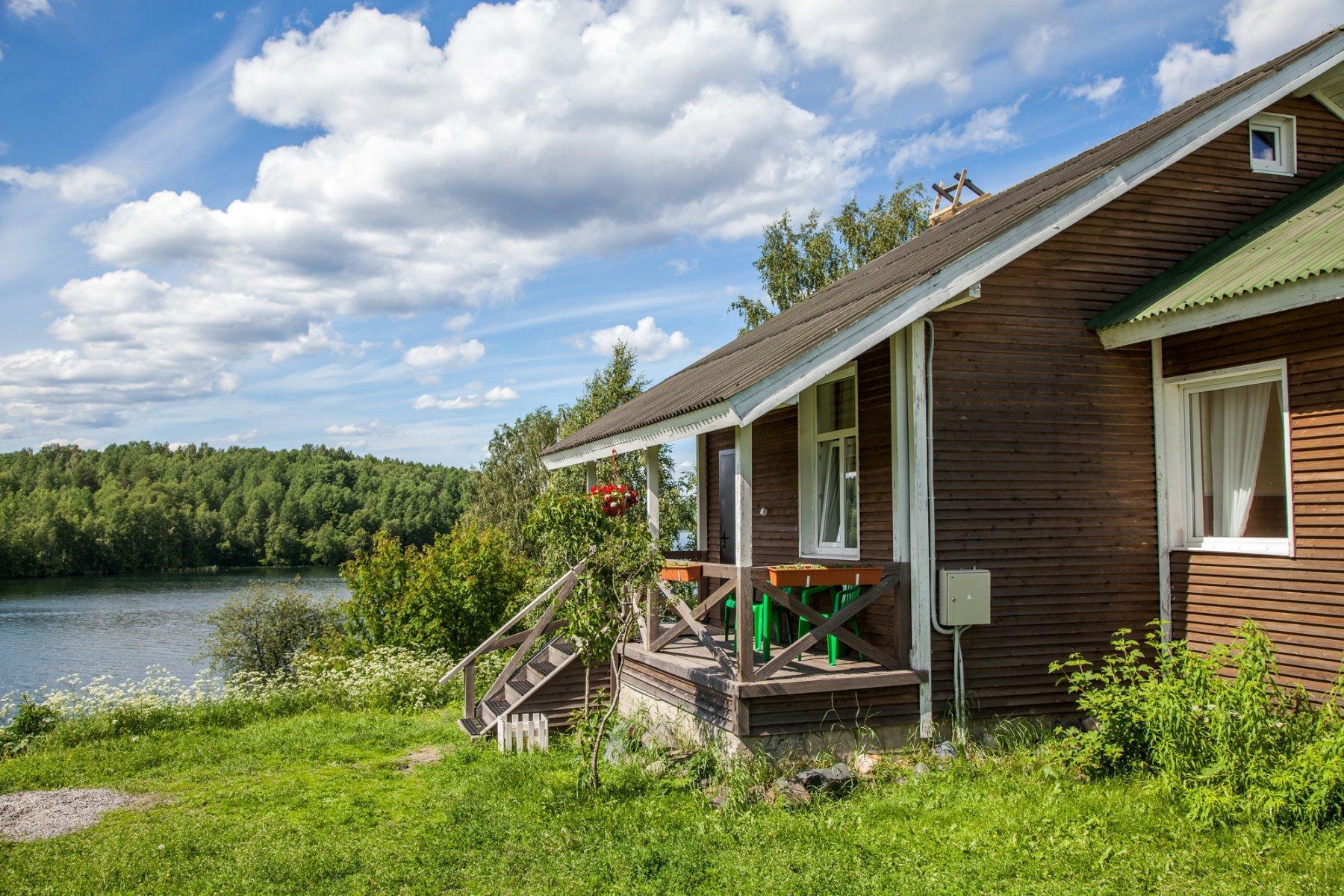 снять дом возле озера спб